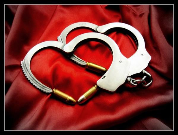 приворот через наручники