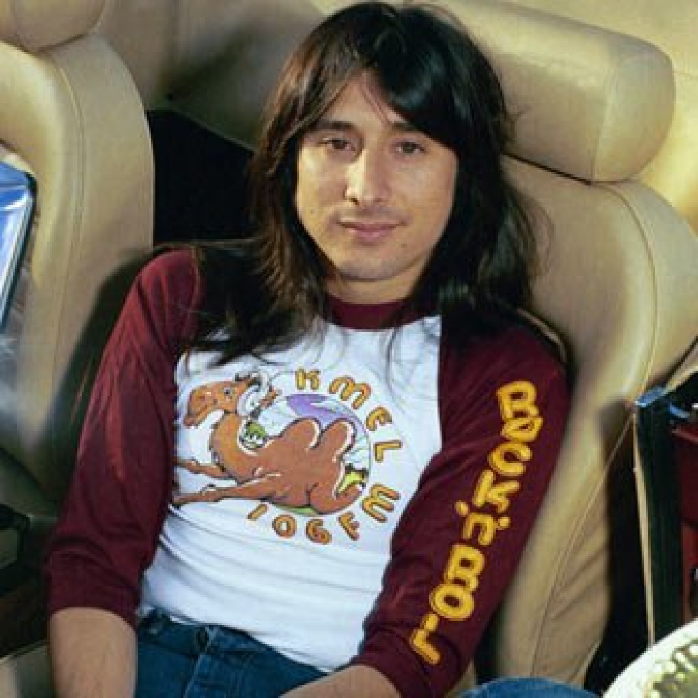 Singer Steve Perry is one of rocks most famous vocalists With the band Journey he recorded several 1970s and 80s hits including Dont Stop Believin